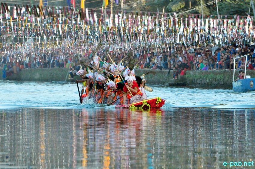 Day 8 :  Hiyang Tanaba (Traditional Boat Race) at Manipur Sangai Festival at Thangapat :: 28 November 2017