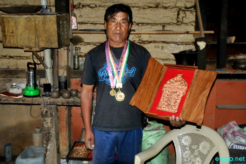 Machihan Sasa - Pottery maker of Nungbi